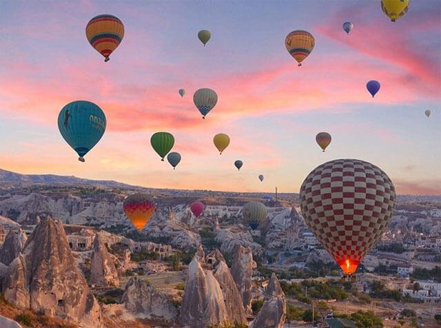 Фото рассвет в Каппадокии с высоты воздушного шара