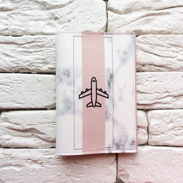 Фото анфас паспортная обложка Самолет мрамор. Коллекция обложек Путешествуй!