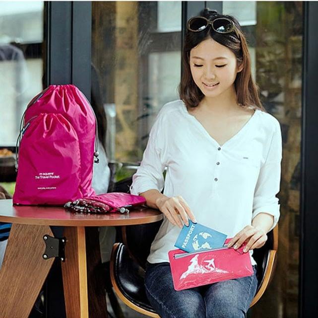 MS-015 Набор розовых водонепроницаемых мешочков для белья. фото в использовании 1. Товары для отдыха. Интернет-магазин В Отпуск
