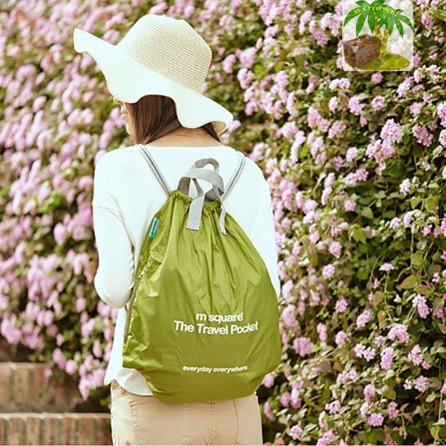 Фото зеленая водонепроницаемая сумка-рюкзак стильно для легких прогулок и спорта. Товары для отдыха. Интернет-магазин В Отпуск