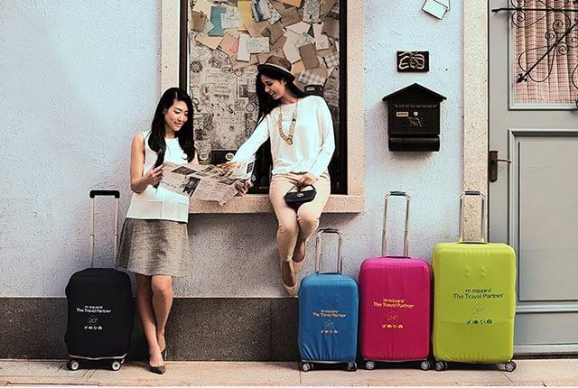 Фото сравнение на улице размеров и цветов эластичных чехлов Travel Partner. Товары для отдыха. Интернет-магазин В Отпуск