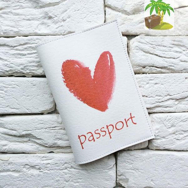 Главное фото паспортная обложка Red Heart. Коллекция обложек для загранпаспорта Сердечки!