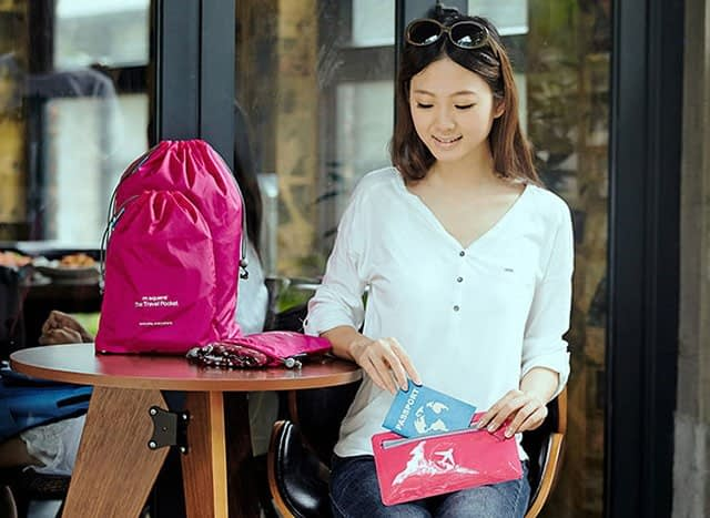 MS-015 Набор розовых водонепроницаемых мешочков для белья фото на столе. Товары для отдыха. Интернет-магазин В Отпуск