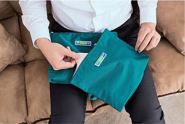 Фото бирюзовые мешочки на молнии в мужском багаже. Товары для отдыха. Интернет-магазин В Отпуск