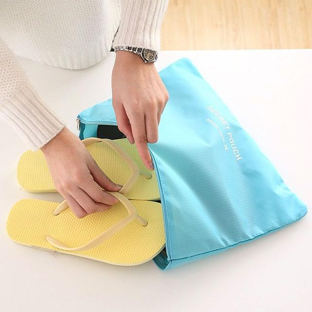 DS-09G Фото упаковка шлепанец в карман голубого набора сумочек в чемодан. Кубик с сеткой. Товары для отдыха. Интернет-магазин В Отпуск