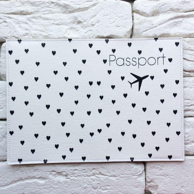 Фото разворот паспортная обложка Самолет и сердечки. Коллекция обложек Сердечки!