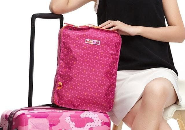 Фото в сравнении розовый чехлол для обуви в ромбик. Товары для отдыха. Интернет-магазин В Отпуск