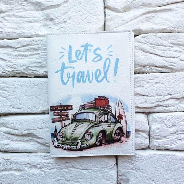 Фото анфас паспортная обложка Машина на пляже. Коллекция обложек Путешествуй!