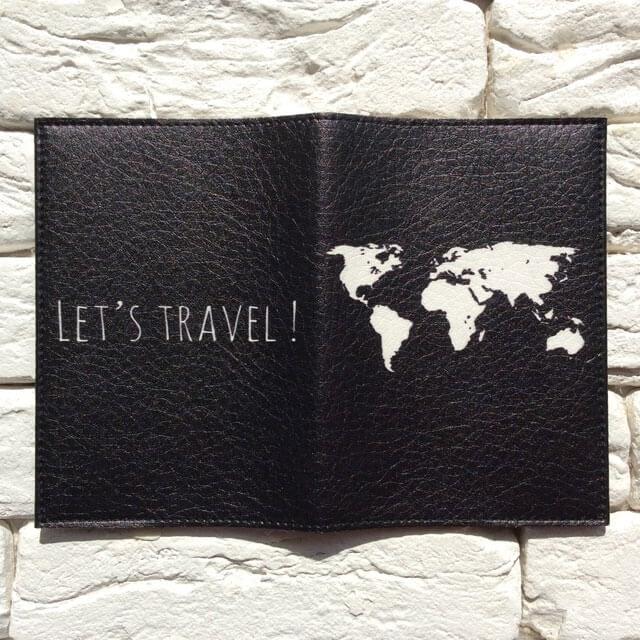 Фото разворот паспортной обложки Let`s travel черная . Коллекция обложек Путешествуй!