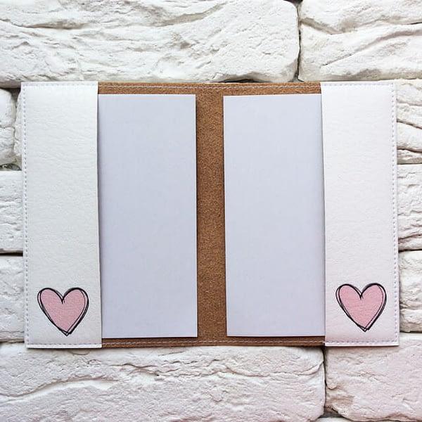 Фото внутри паспортной обложки Розовые сердечки. Коллекция обложек для загранпаспорта Сердечки!