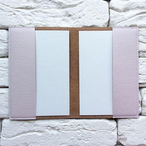 Фото внутри паспортная обложка Вокруг земли розовая. Коллекция обложек Путешествуй!